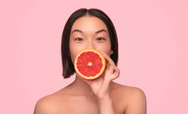 Can You Use Vitamin C Serum With Red Light Therapy?